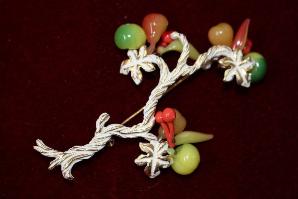 VINTAGE HOBE SIGNED LARGE BROOCH