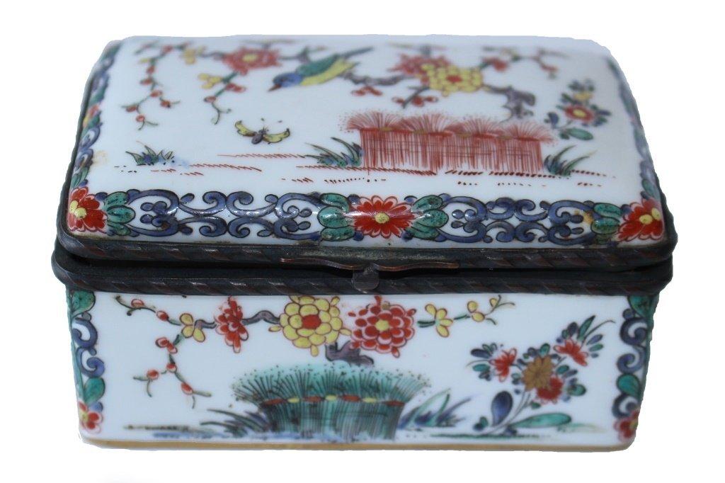 19TH CENTURY FRENCH ORIENTALIST ENAMELED BOX