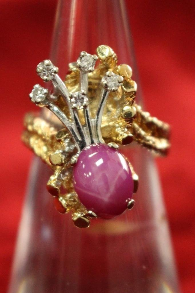 ESTATE 14KT ROSEGOLD DIAMOND & CABACHON RUBY RING