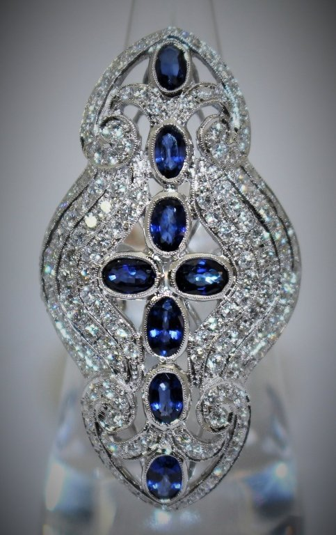 LARGE DIAMOND DECO STYLE SAPPHIRE & 18KT GOLD RING