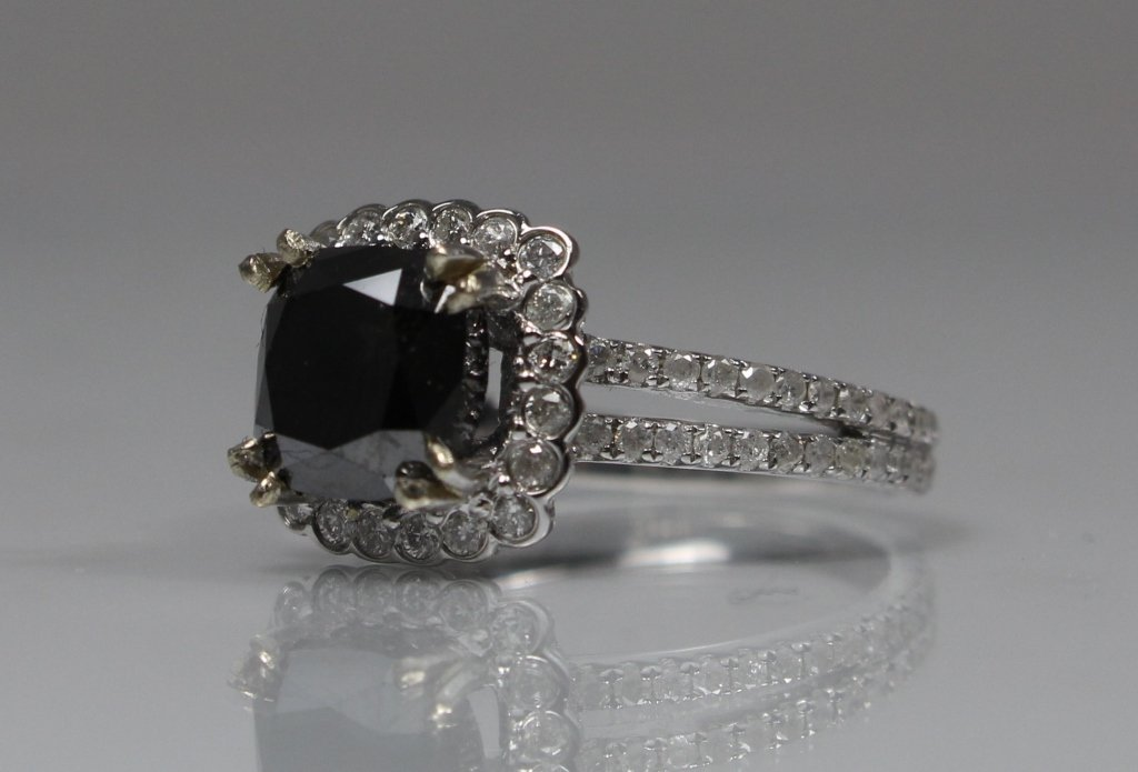 14KT WHITE GOLD BLACK & WHITE DIAMOND LADIES RING