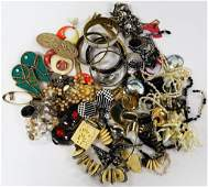 LOT OF VARIOUS COSTUME JEWELRY PIECES