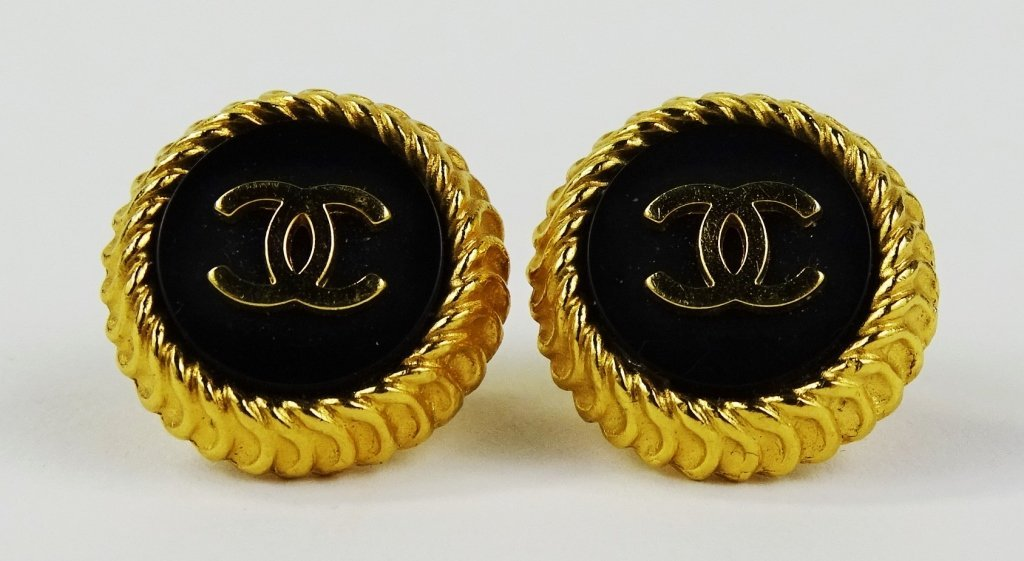 PAIR VINTAGE CHANEL GOLD LOGO EARRINGS - 2