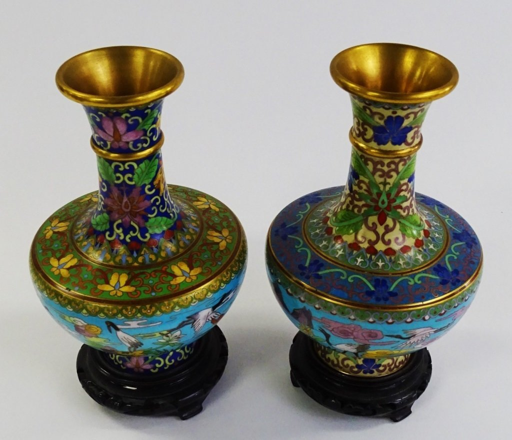 PAIR OF CLOISONNE VASES WITH WOODEN STANDS - 3