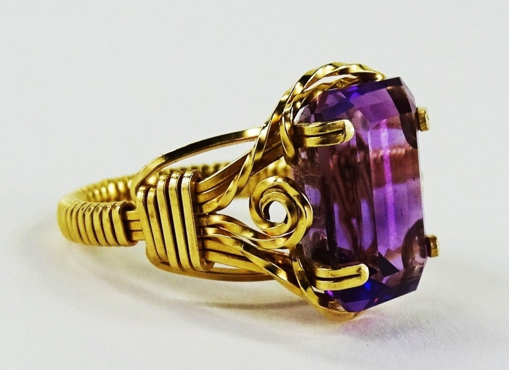 LADIES 14KT YELLOW GOLD AMETHYST RING - 2