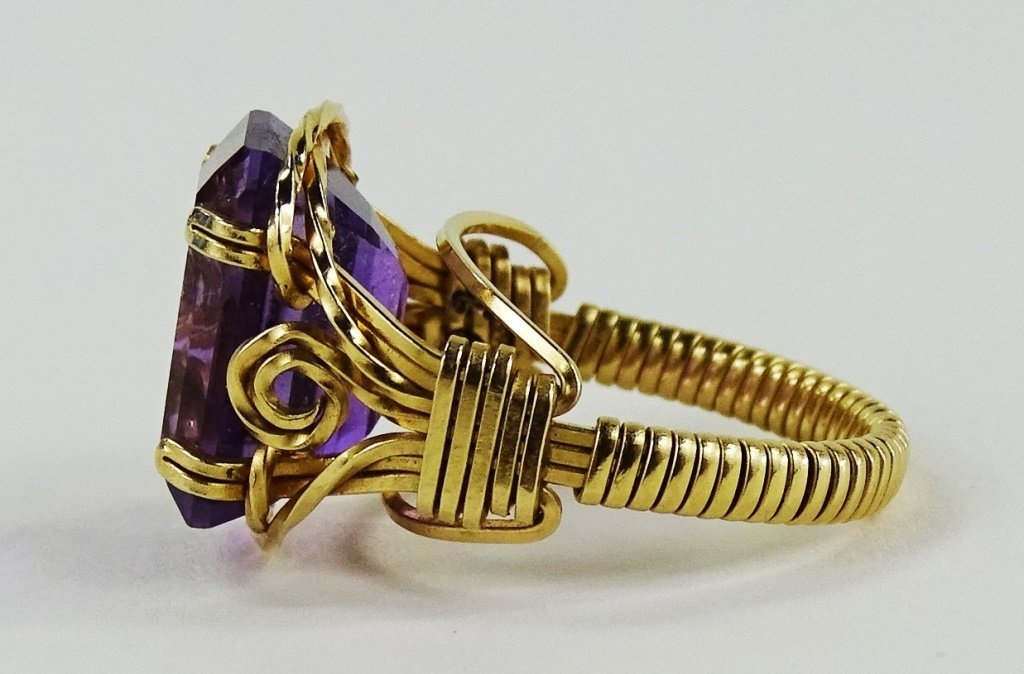 LADIES 14KT YELLOW GOLD AMETHYST RING - 4