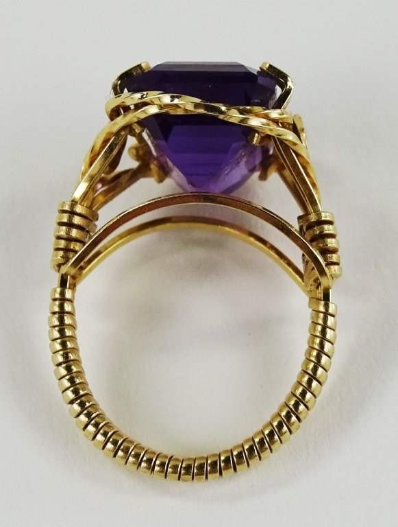 LADIES 14KT YELLOW GOLD AMETHYST RING - 5