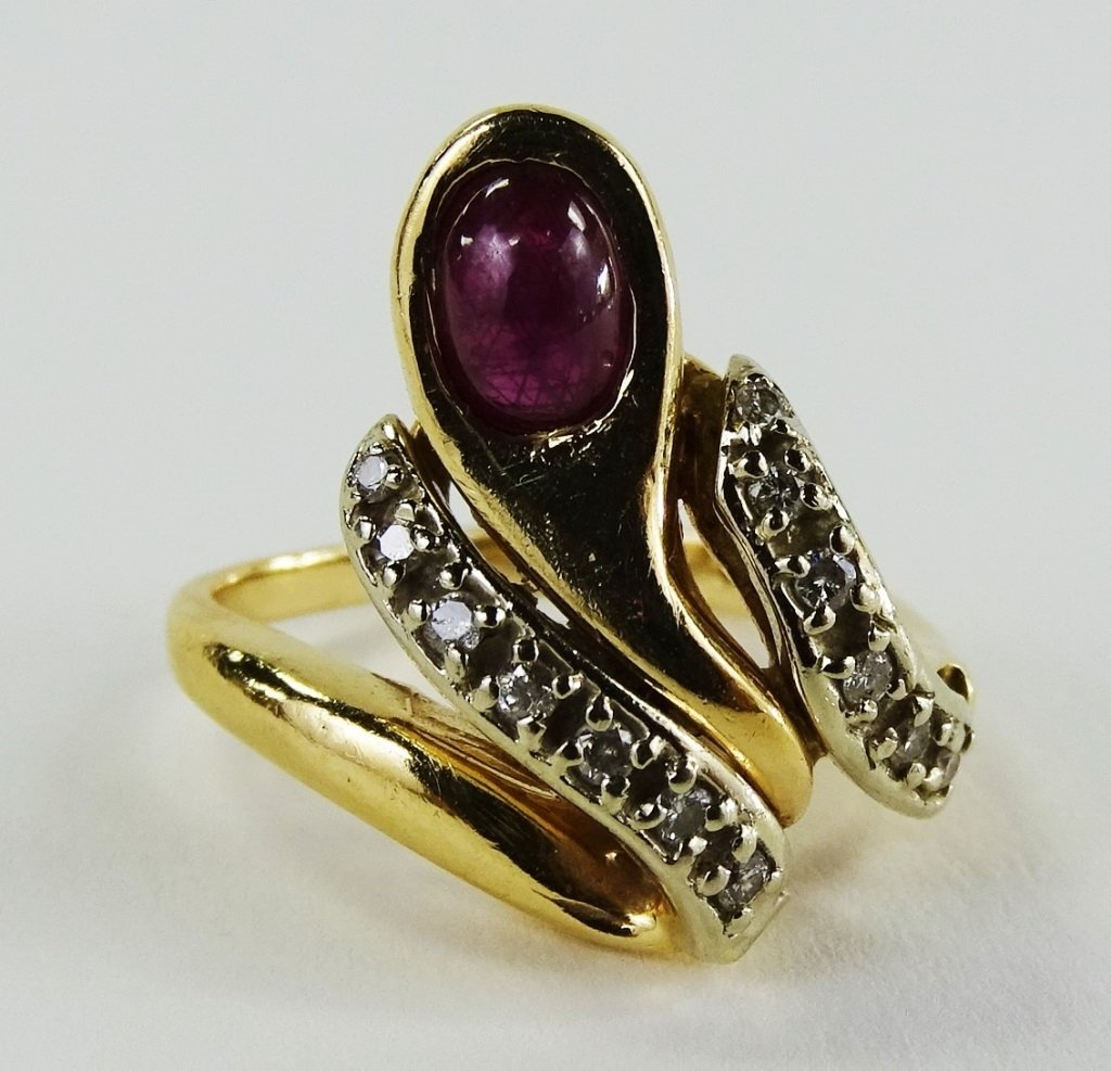 14KT Y GOLD DIAMOND & CABACHON RUBY LADIES RING