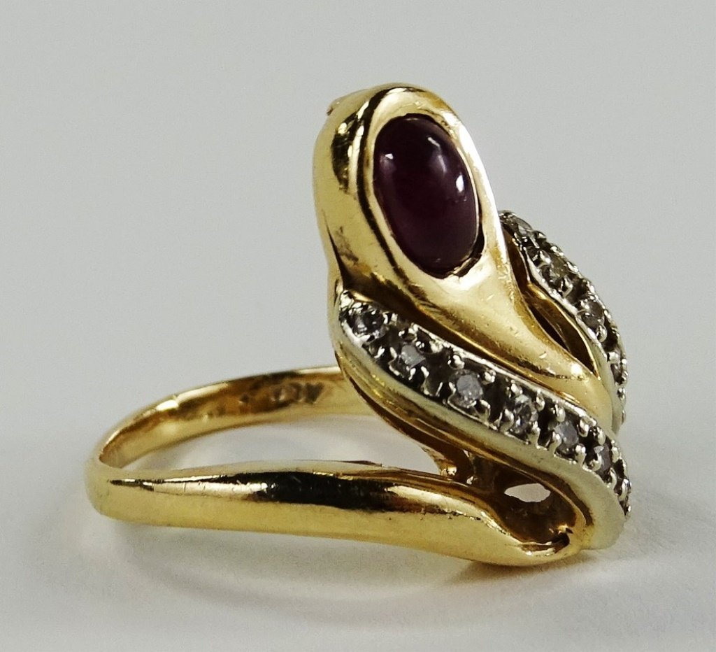 14KT Y GOLD DIAMOND & CABACHON RUBY LADIES RING - 2