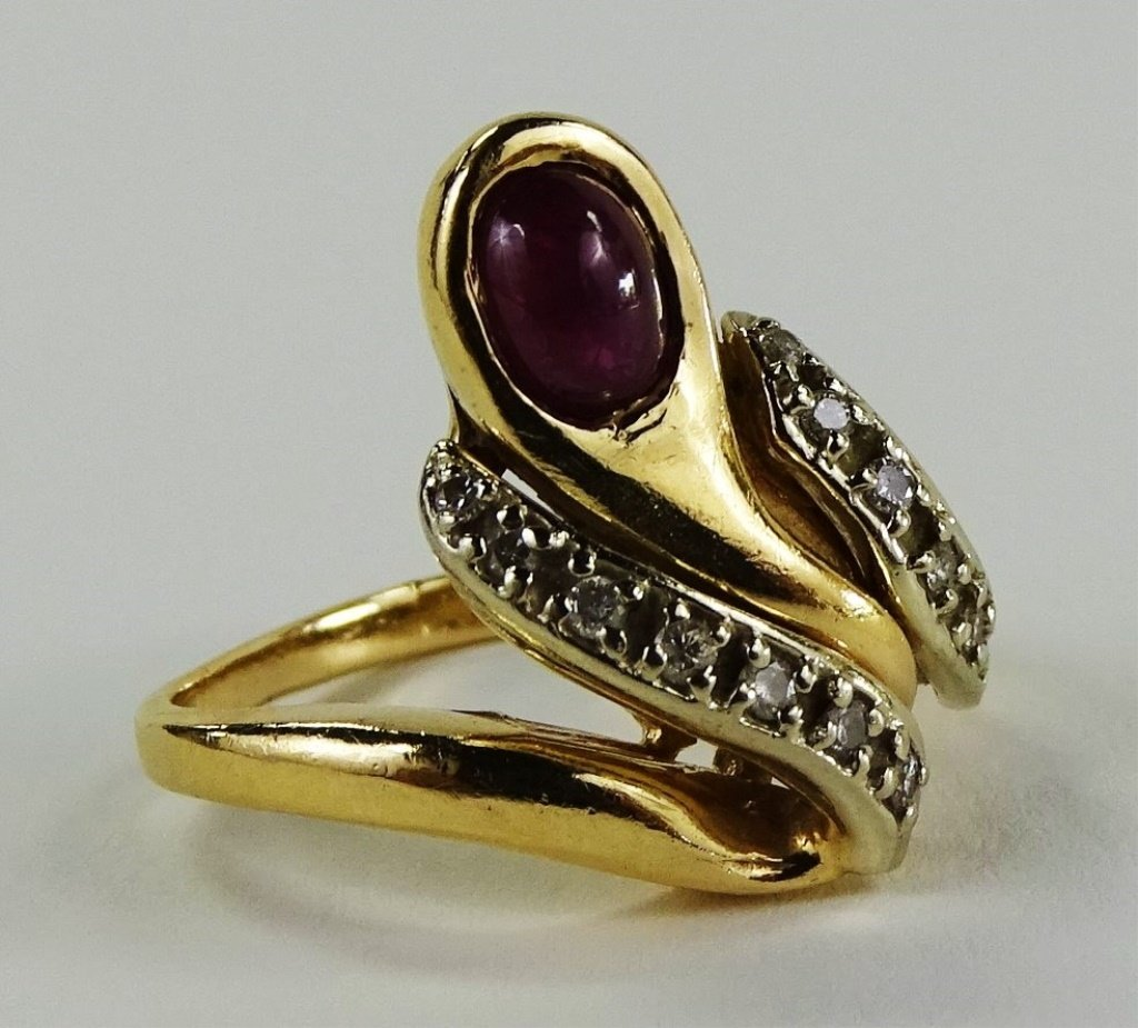 14KT Y GOLD DIAMOND & CABACHON RUBY LADIES RING - 3