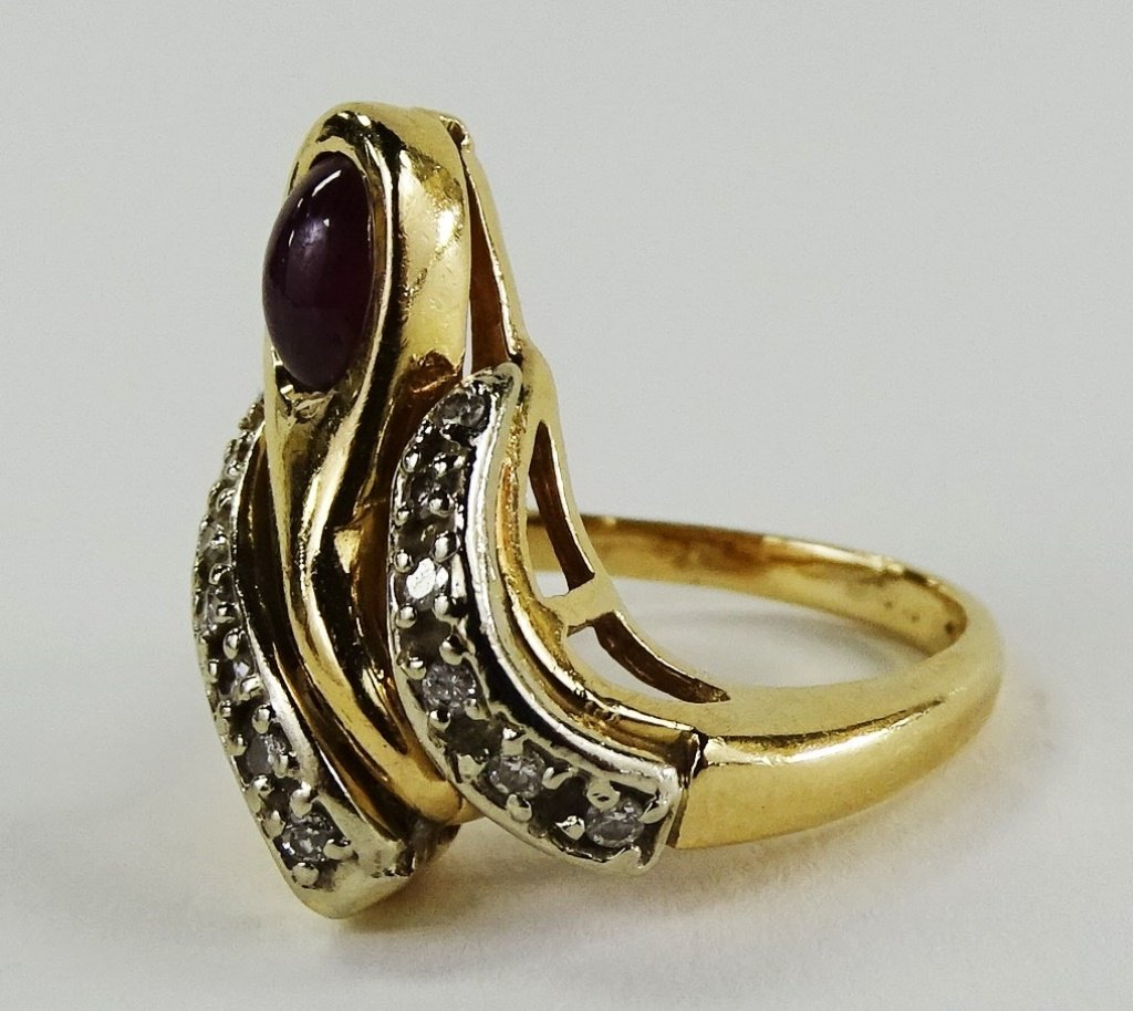 14KT Y GOLD DIAMOND & CABACHON RUBY LADIES RING - 4