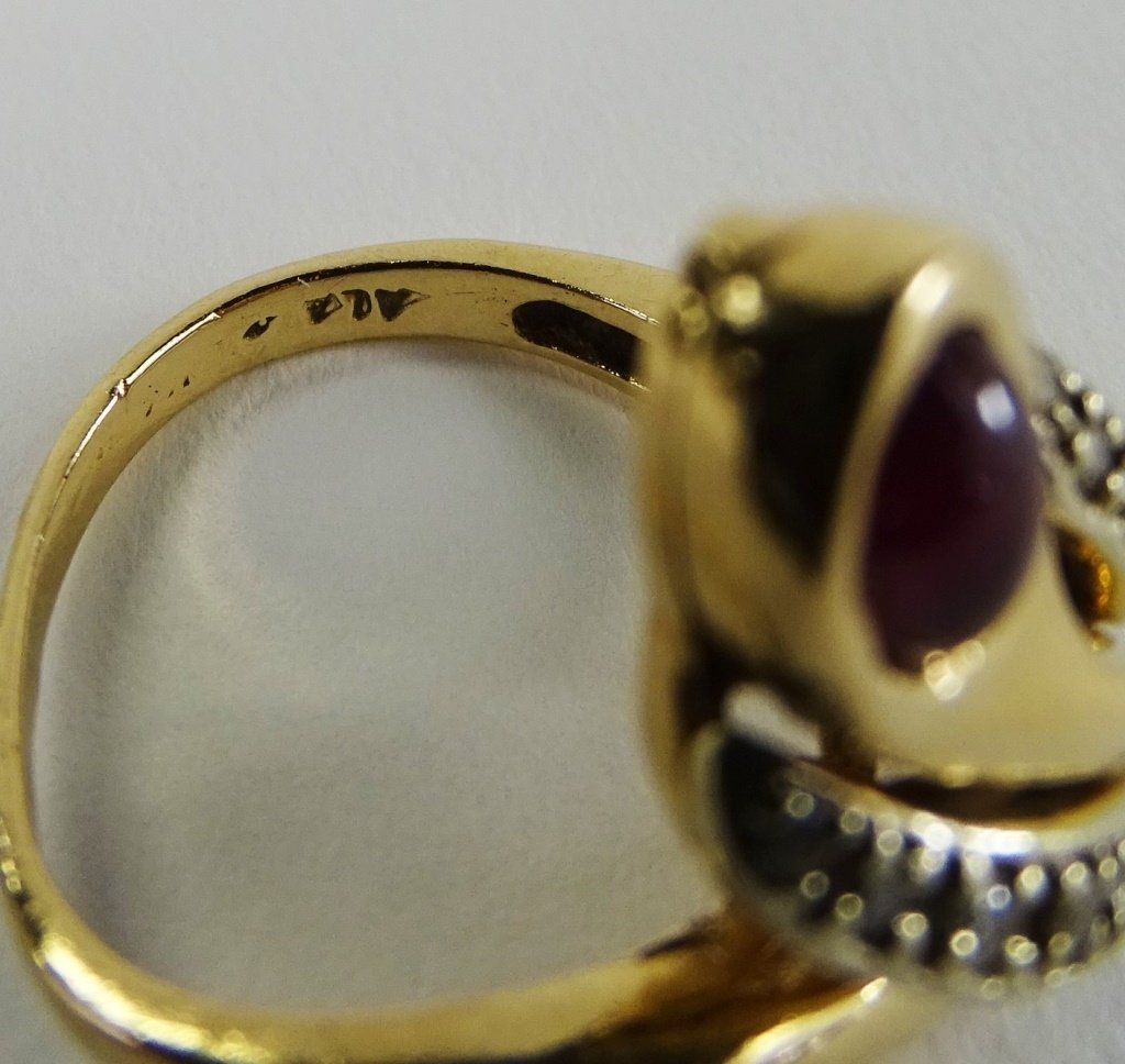 14KT Y GOLD DIAMOND & CABACHON RUBY LADIES RING - 6