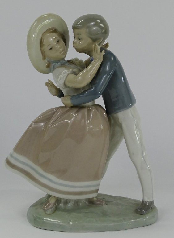 LLADRO SPANISH PORCELAIN 'WALTZ TIME' FIGURE #4856