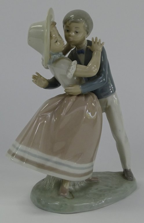 LLADRO SPANISH PORCELAIN 'WALTZ TIME' FIGURE #4856 - 2