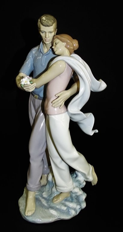 LLADRO PORCELAIN 'YOU'RE EVERYTHING TO ME'# 6842 - 2