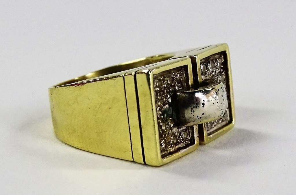 MENS 14KT YELLOW GOLD DIAMOND PINKY RING