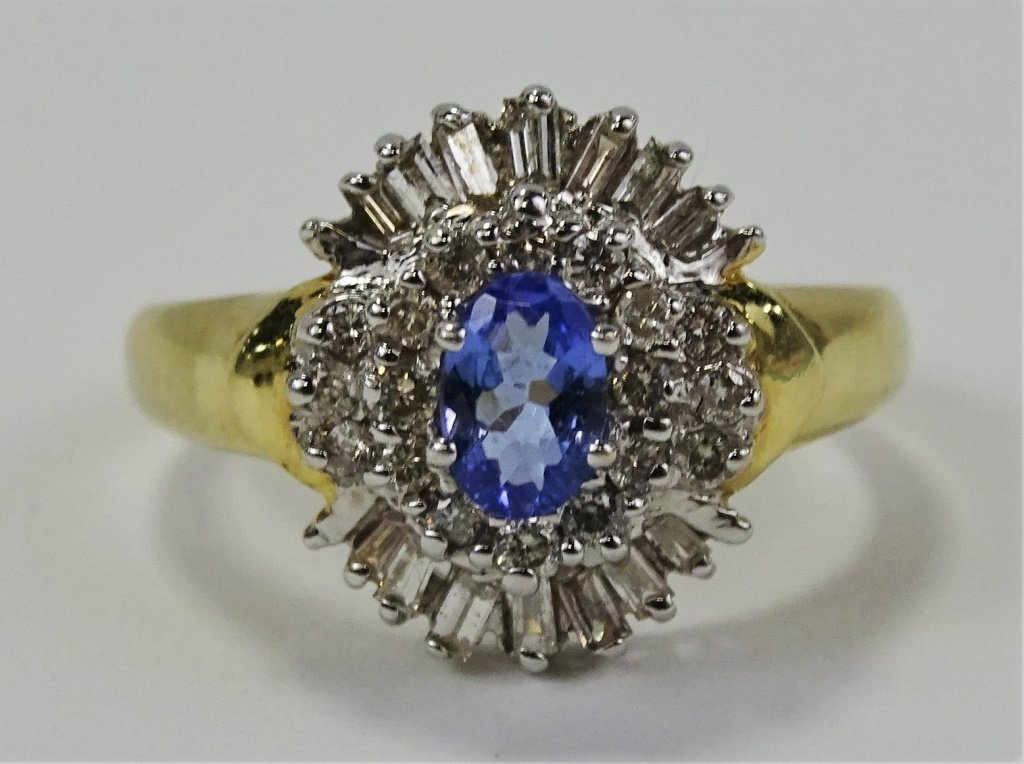 LADIES 14KT YELLOW GOLD TANZANITE & DIAMOND RING