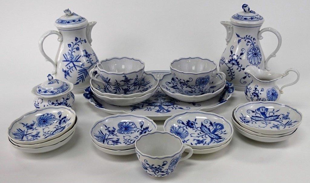 21PCS MEISSEN 'BLUE ONION' PORCELAIN DINNERWARE