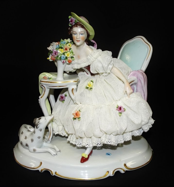 LARGE DRESDEN PORCELAIN FIGURINE GROUPING