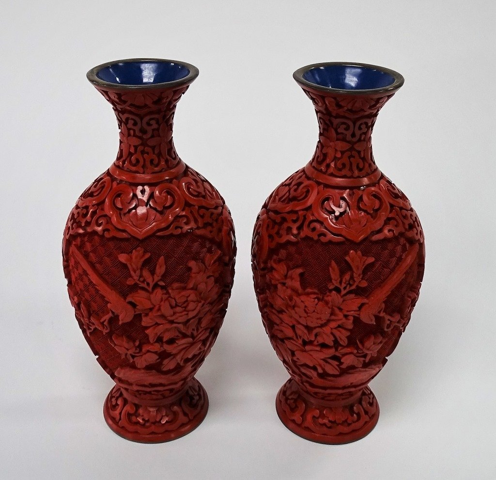 PAIR OF CHINESE CARVED LACQUER VASES - 2