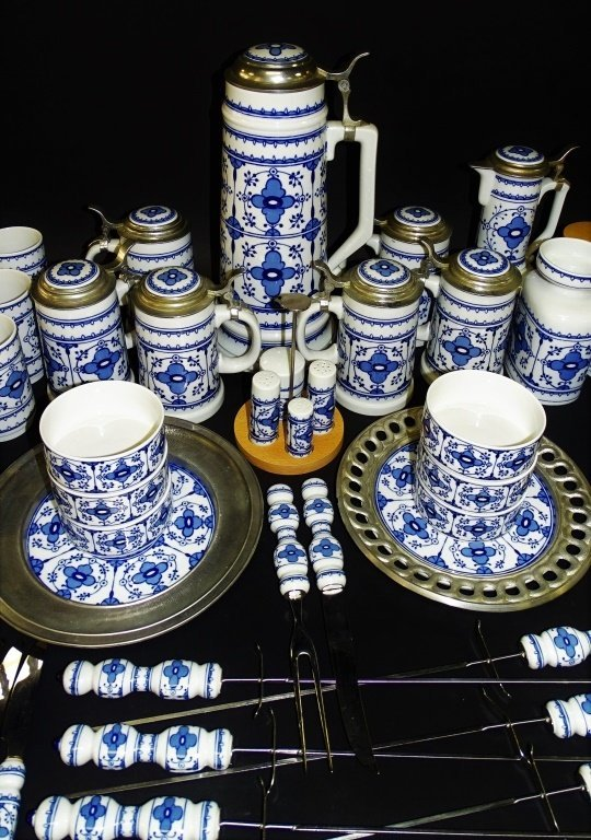 72PC LICHTE GERMAN PORCELAIN DINNERWARE SET - 3