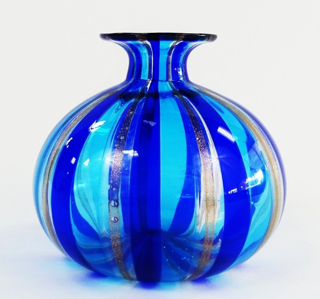VENETIAN ART GLASS VASE