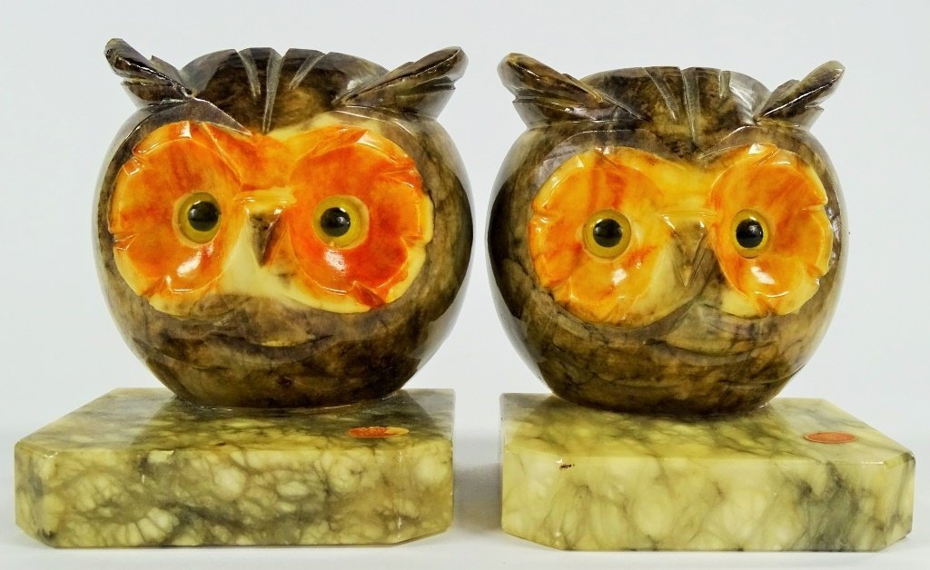 PAIR OF ITALIAN ALABASTER OWL BOOKENDS