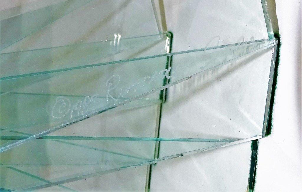 """RUNSTADLER GLASS SCULPTURE """"SPIRAL MOTION"""" - 5"""