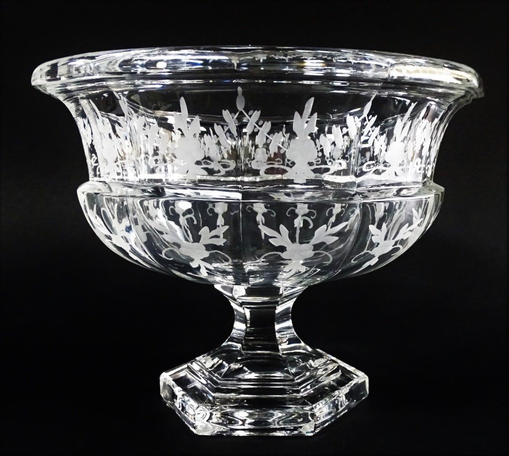 TIFFANY AND CO ETCHED CRYSTAL GLASS CENTER PIECE - 2