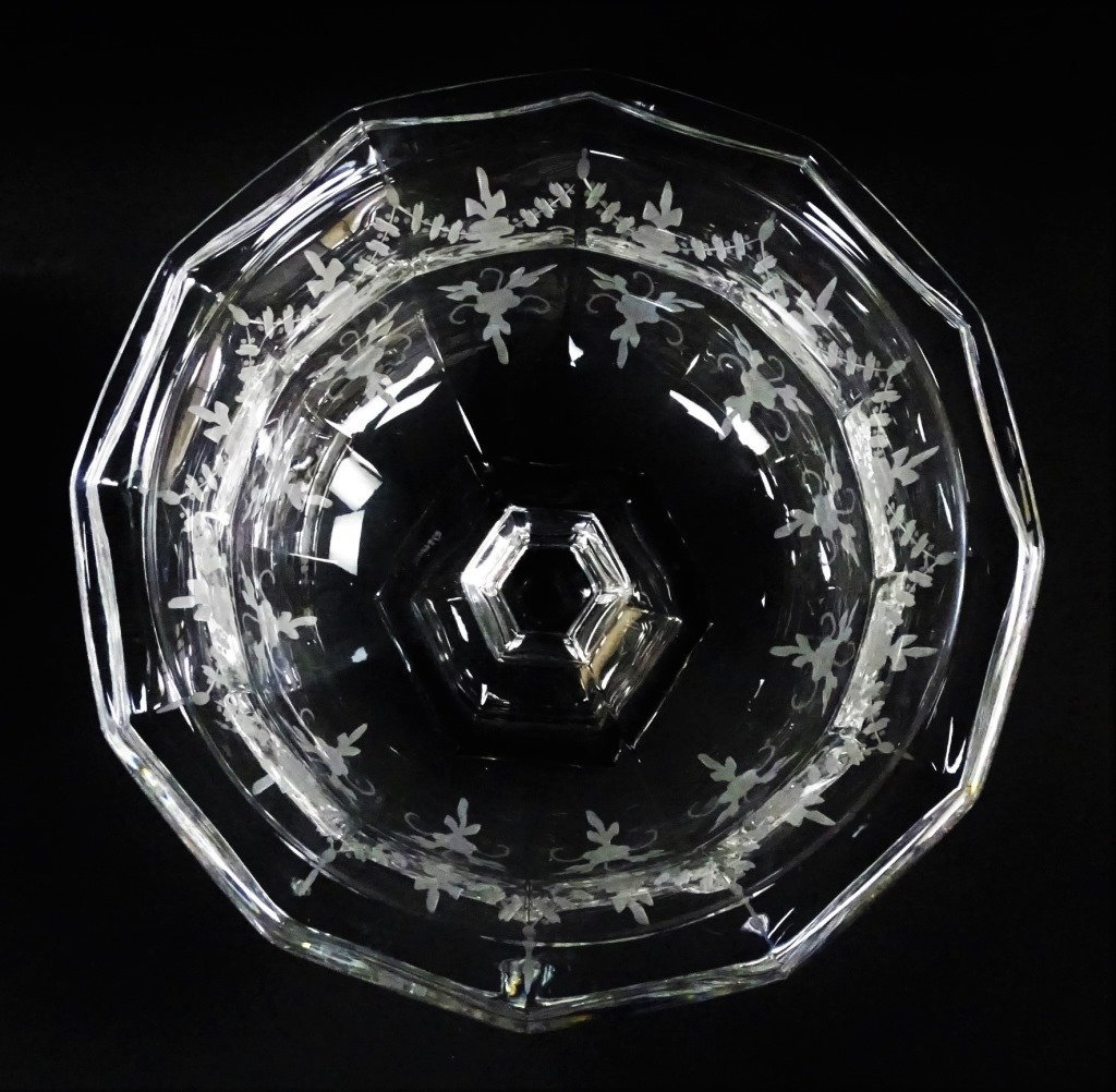 TIFFANY AND CO ETCHED CRYSTAL GLASS CENTER PIECE - 3
