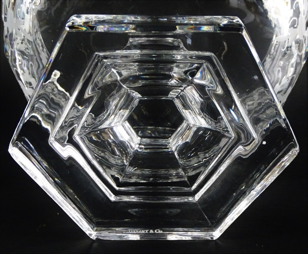 TIFFANY AND CO ETCHED CRYSTAL GLASS CENTER PIECE - 5