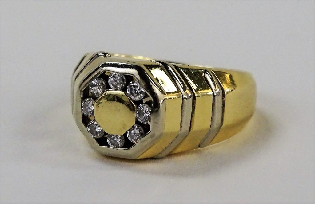 MENS HEAVY 14 KT Y GOLD AND DIAMOND RING