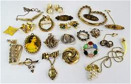 LARGE COLLECTION OF VINTAGE GOLD TONE COSTUME