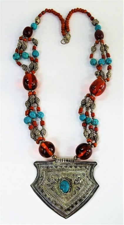 NATIVE AMERICAN LARGE SILVER TURQUOISE NECKLACE