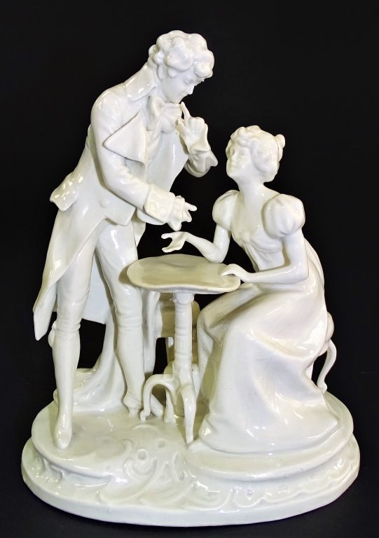 WHITE PORCELAIN CAPODIMONTE MAN AND WOMAN