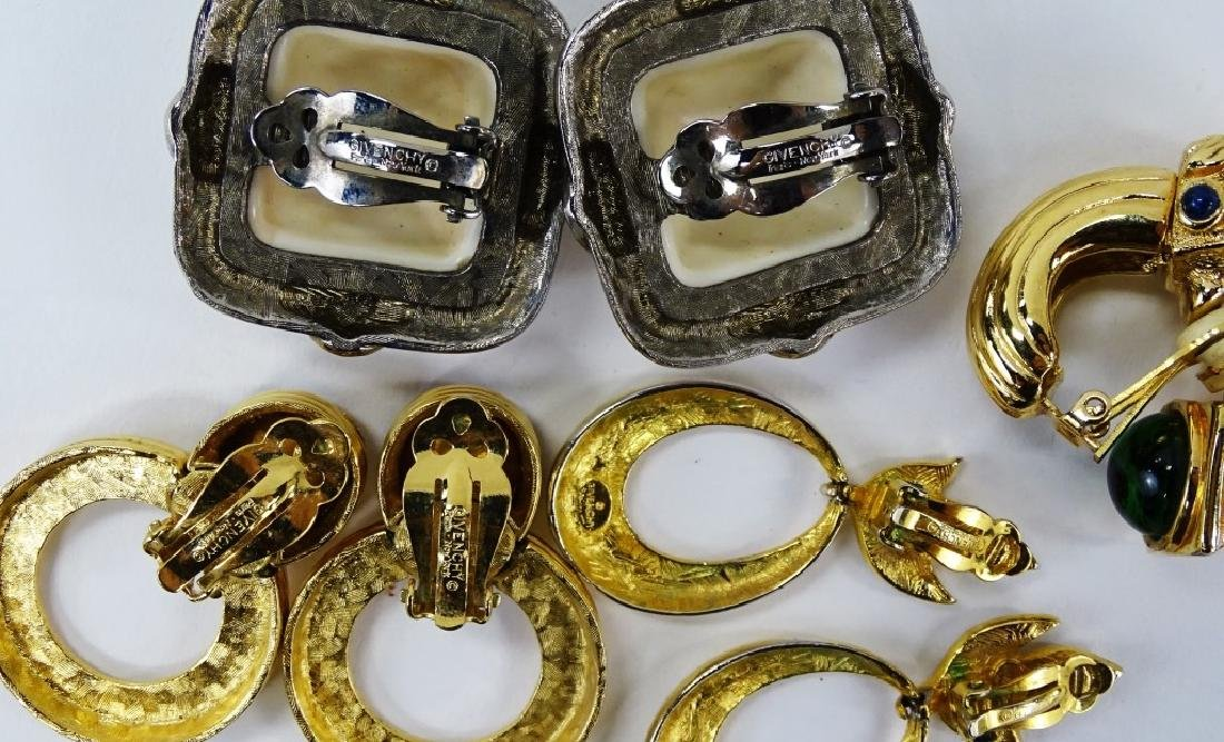 LOT OF DESIGNER GIVENCHY WOMANS COSTUME JEWELRY - 4