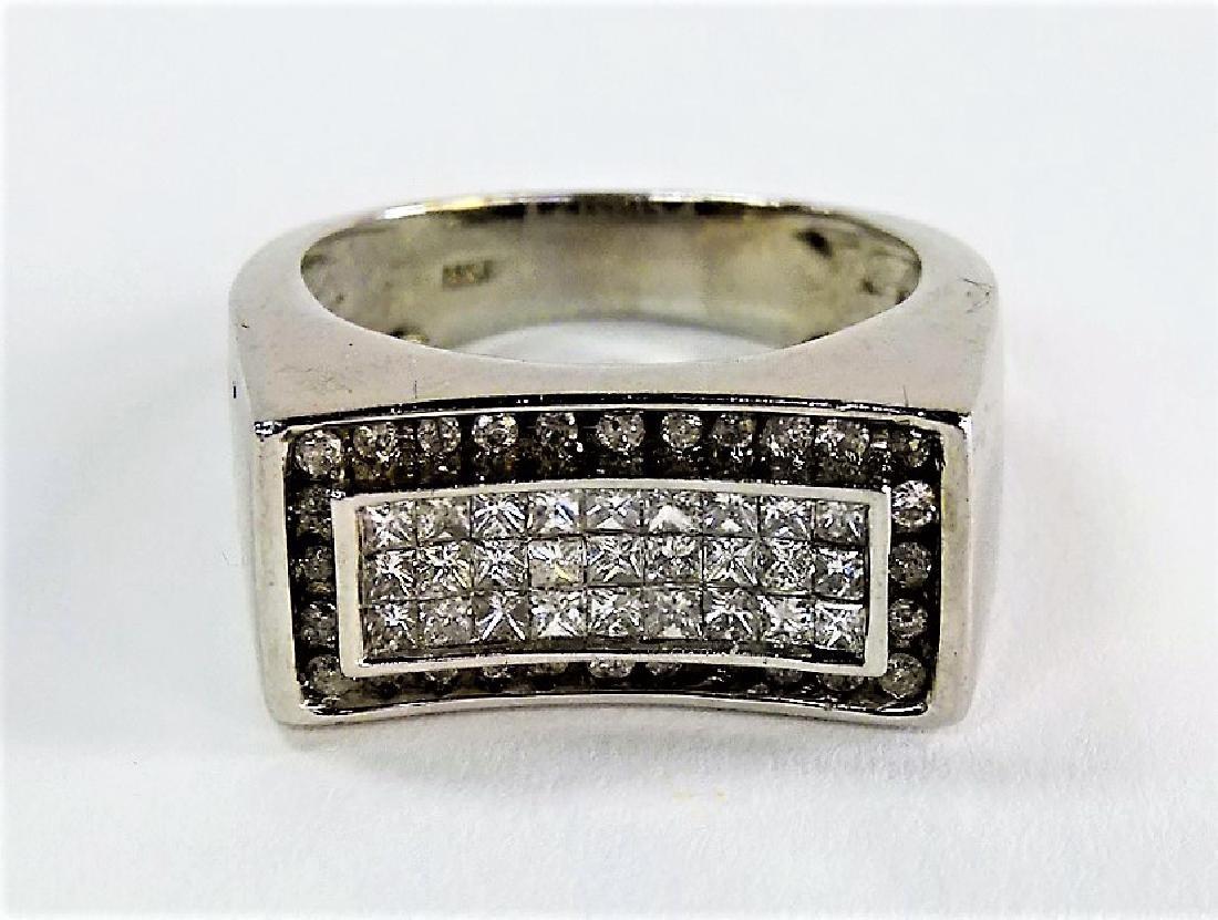 MENS HEAVY 14KT WHITE GOLD & DIAMOND RING