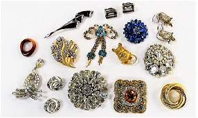 LARGE LOT OF MOSTLY SIGNED VINTAGE COSTUME JEWELRY