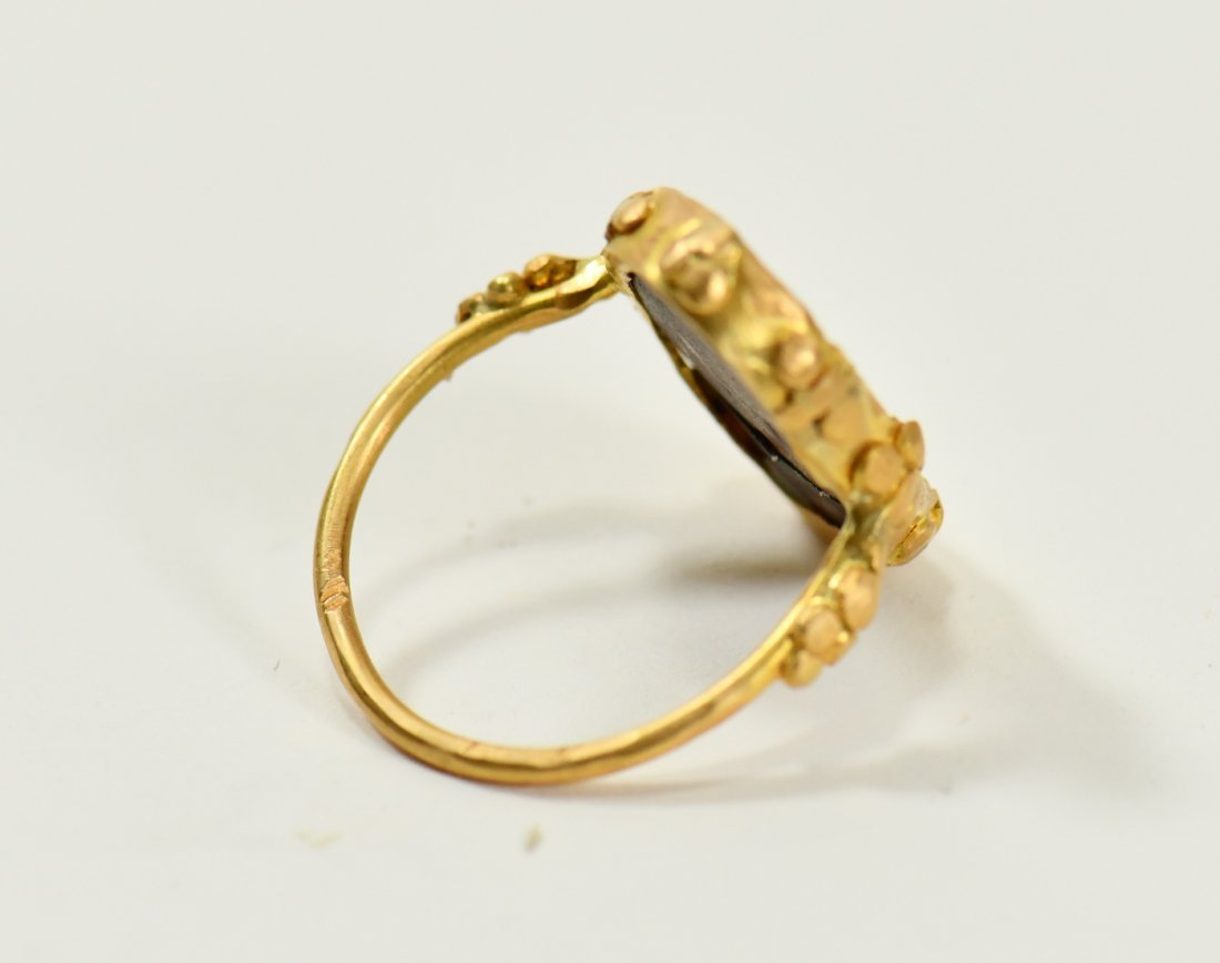 An Ancient Roman Intaglio Ring - 4