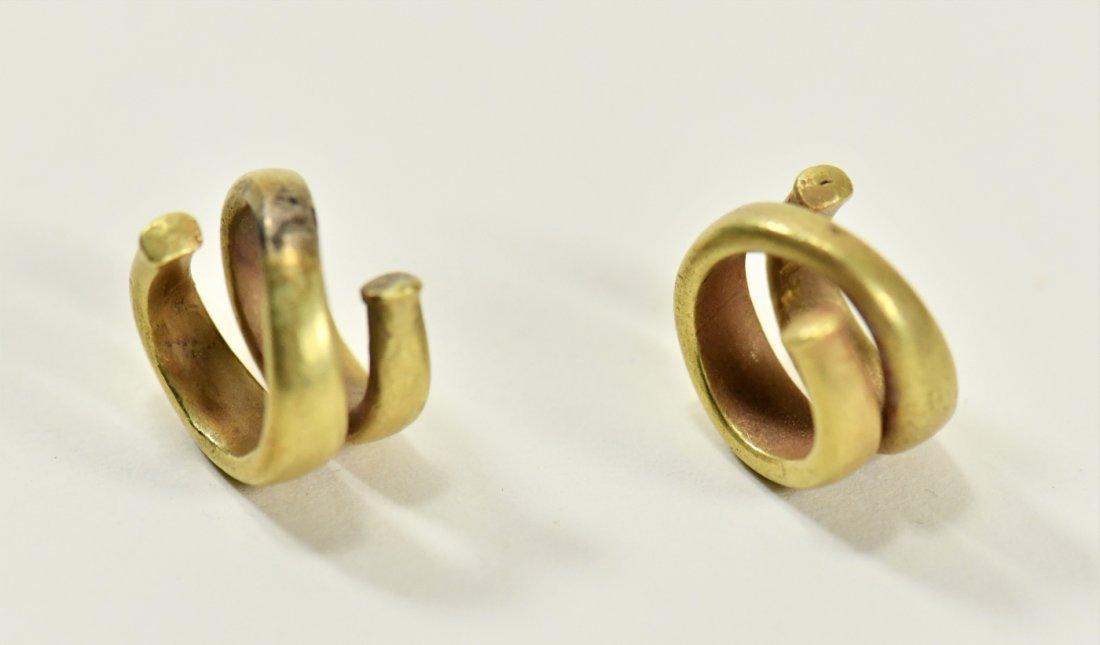 A Pair of Greek Gold Hair Rings - 3