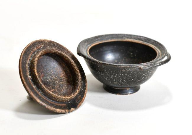 A Campanian Black-Glaze Lidded Pyxis - 4
