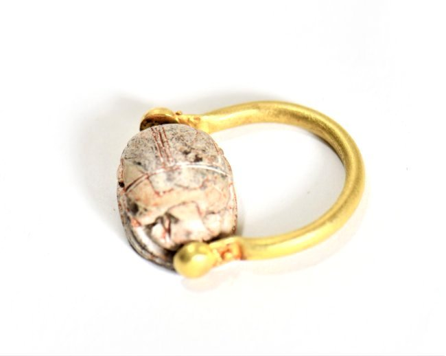 An Egyptian Scarab and Gold Swivel Ring - 2