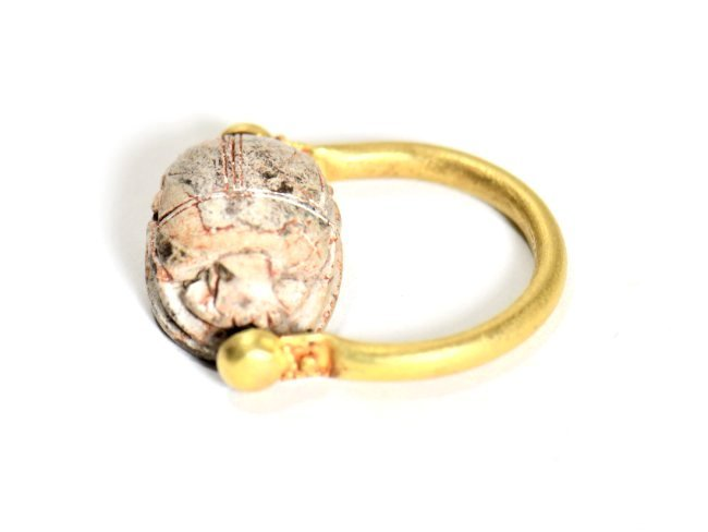 An Egyptian Scarab and Gold Swivel Ring - 3