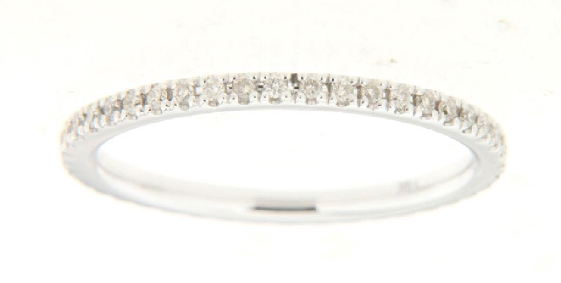 14K White Gold 0.25CTW Diamond Band Ring - REF-32F5M