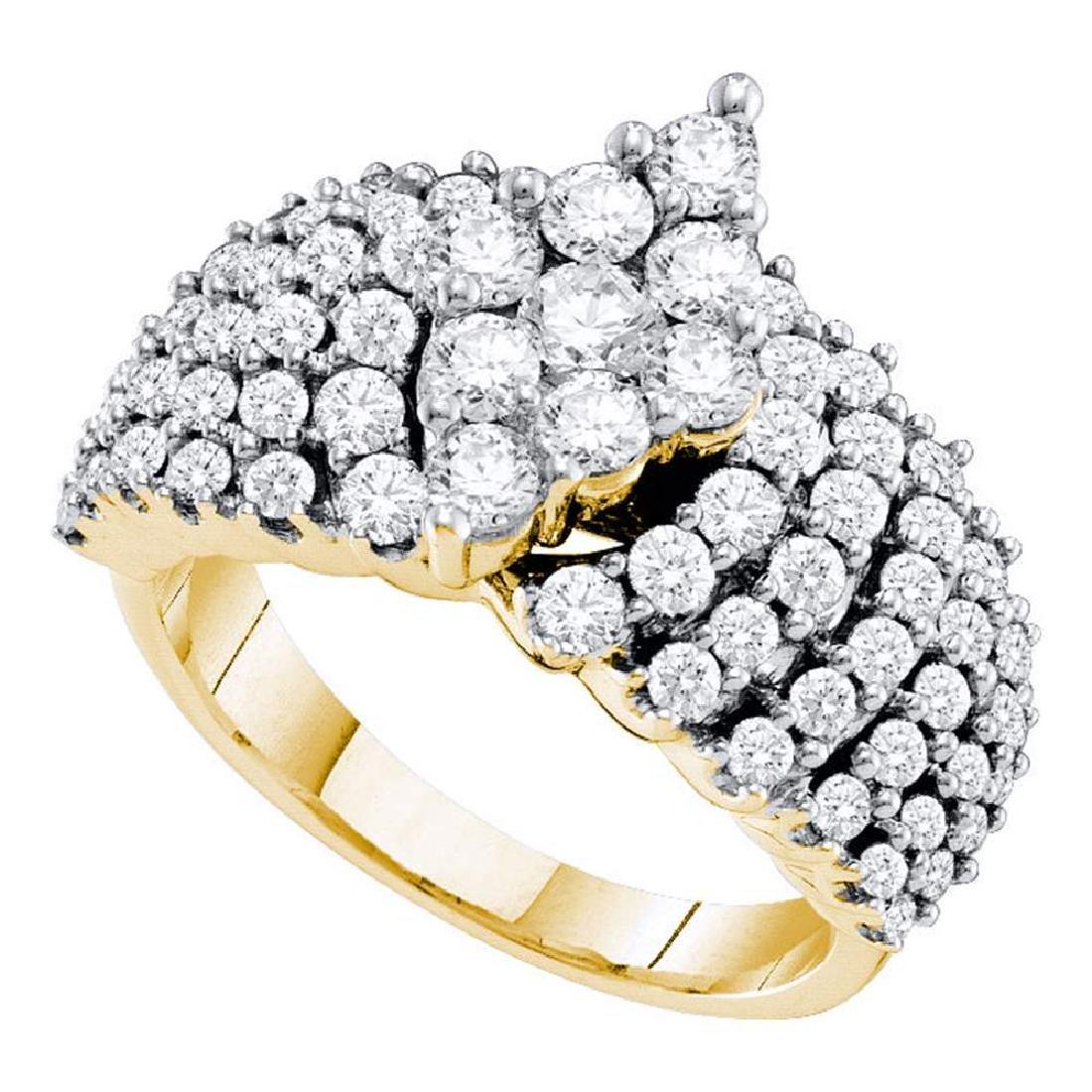 2 CTW Pave-set Diamond Oval-shape Cluster Ring 14KT