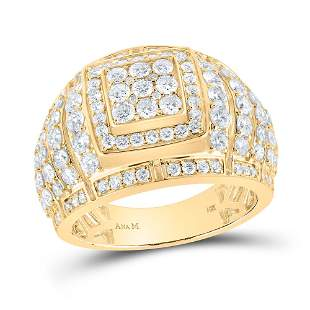 Round Diamond Cluster Ring 3 Cttw 14KT Yellow Gold
