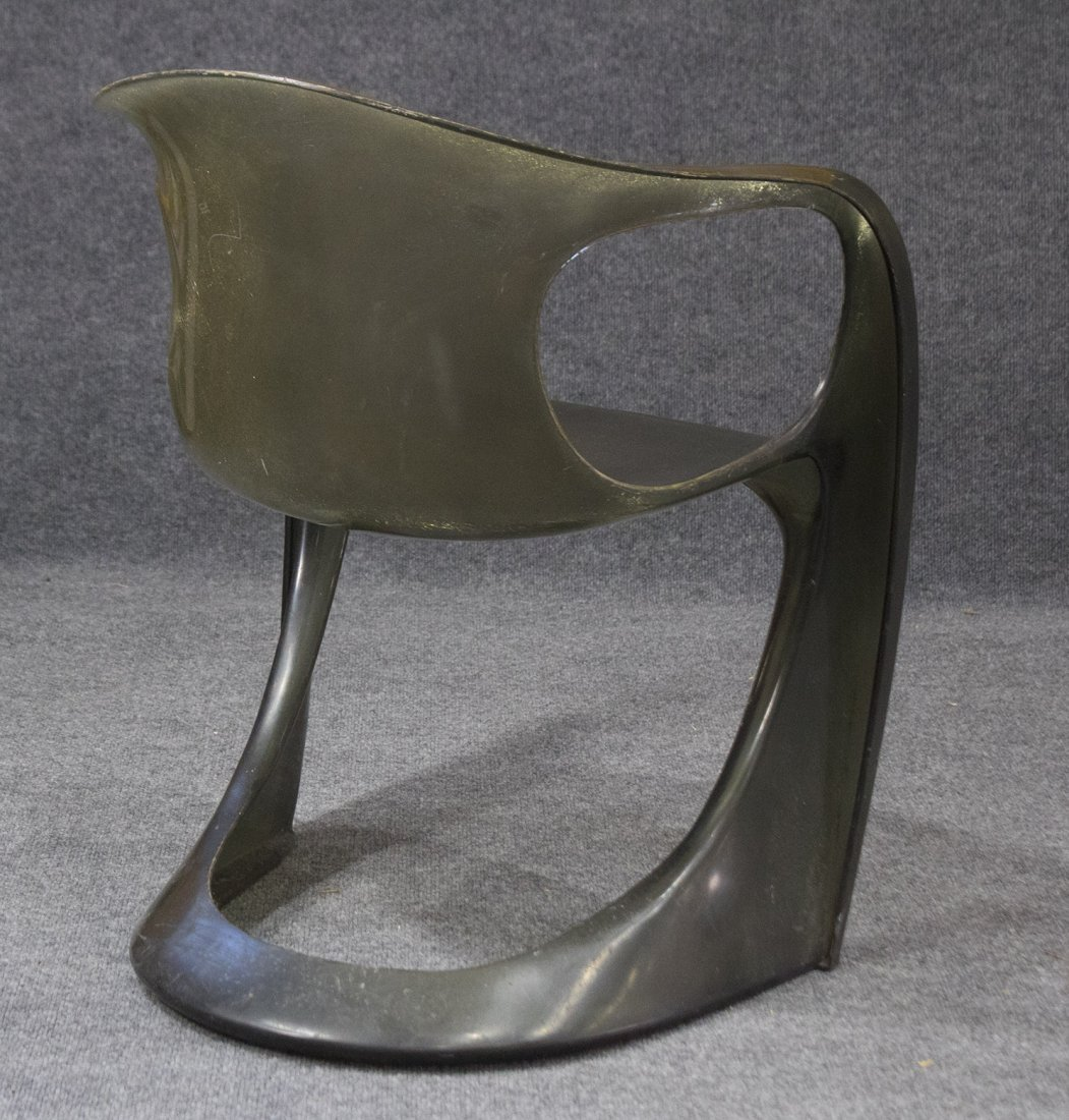 MID CENTURY SPACE AGE DESIGN Molded Plastic Arm Chair - 4