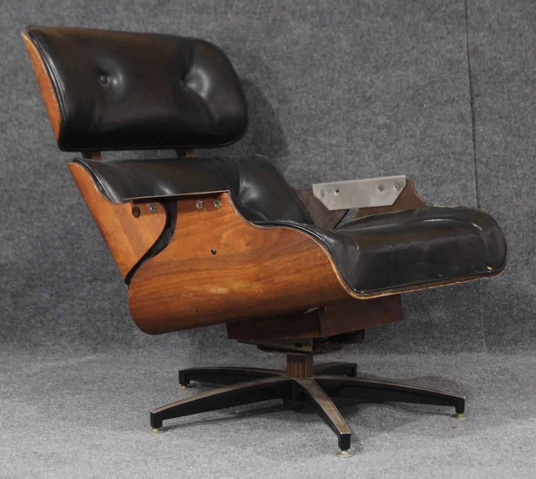 Charles Eames for Herman Miller style lounge chair