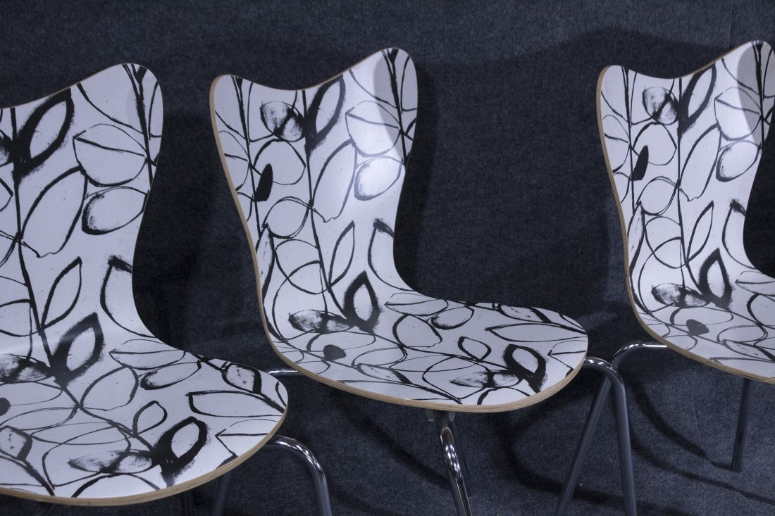 Set Four 4 Mid Century Mod Black White Bent Ply Chairs - 2