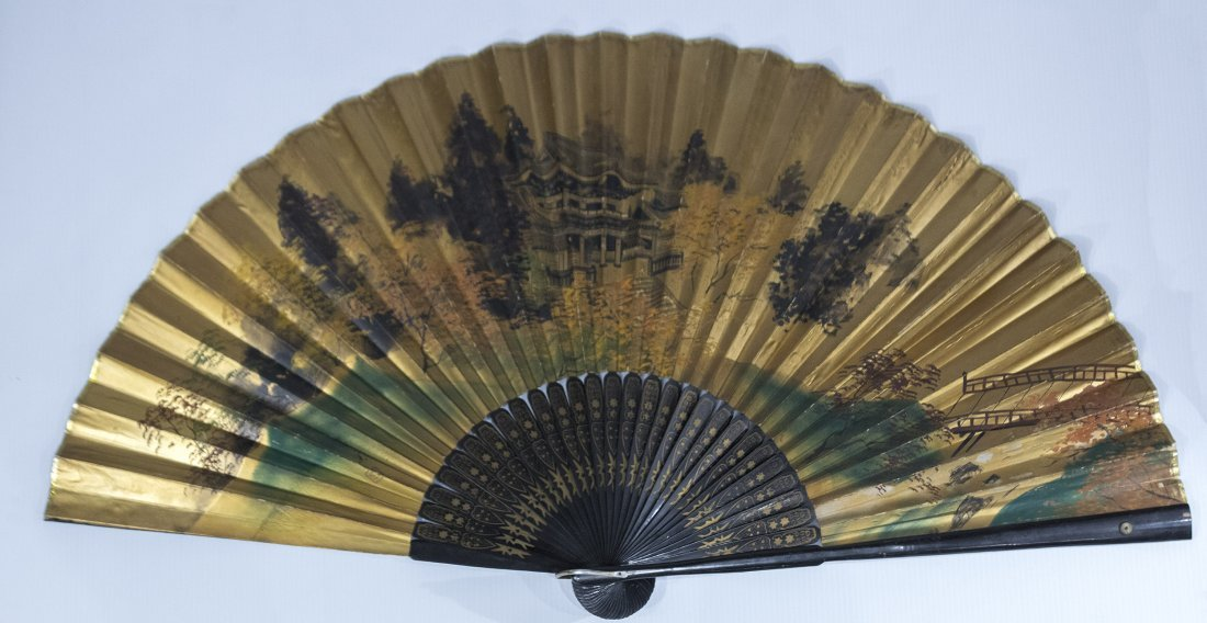 Large ORIENTAL ASIAN HAND FAN Gold Gilt Scenic Design